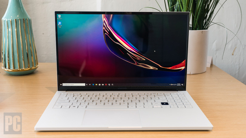 669745 qled s laptop debut - Hands On: Samsung's Galaxy Book Ion Is the First QLED-Screen Laptop