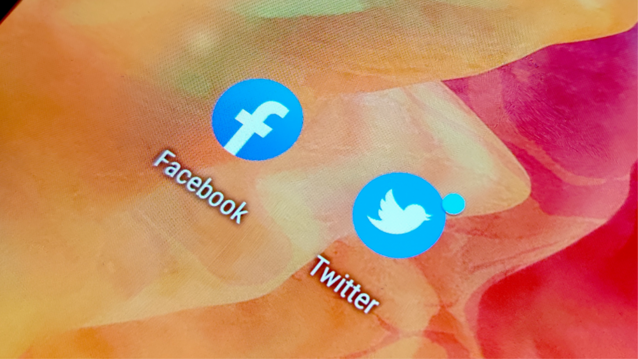 675347 facebook twitter - Apps Found Collecting User Details From Facebook, Twitter | News & Opinion