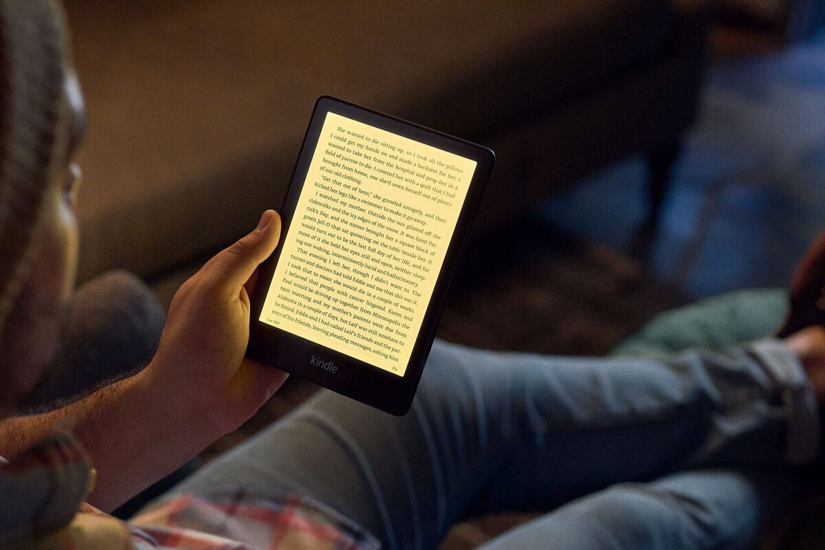 1 1 100903598 large.3x2.jpgautowebp - Amazon's upgraded Kindle Paperwhite lineup makes the best e-reader even better